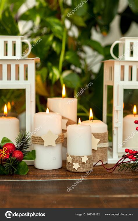 Candele Decorate Per Natale by Candele Decorate Per Il Natale Foto Stock 169 Gelpi 162318122