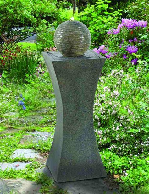 fontaine exterieur solaire fontaine solaire de jardin un choix et 233 colo