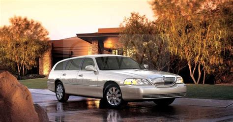 lincoln town car station wagon cool wagons pinterest