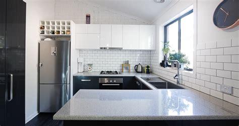 fabricant de cuisine haut de gamme plan de travail en quartz ardoise granit une cuisine sur mesure