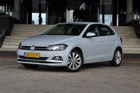 It is available in 4 colors, 1 variants, 1 engine, and 1 transmissions option: Test Volkswagen Polo 1.0 TSI 95pk Highline DSG ...