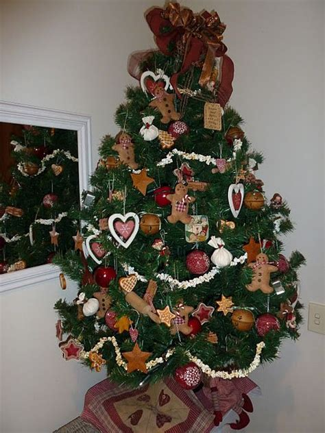 gingerbreadmen themed christmas tree tis  season