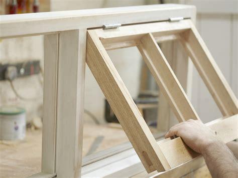 Fenster Für Gartenhaus Selber Bauen by Fensterrahmen Aus Holz Aluminium Oder Kunststoff Bauen De