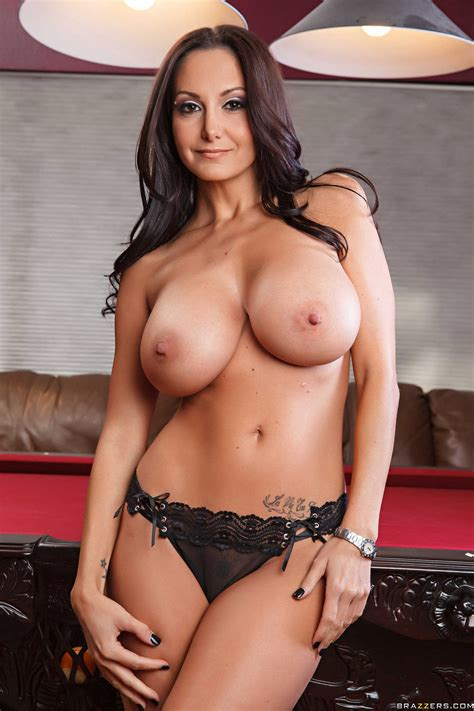 Ava Addams In Winter Boots Exposes Her Sexy Body My Pornstar Book