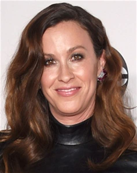 Alanis Morissette Height Weight Body Measurements Bra Shoe ...