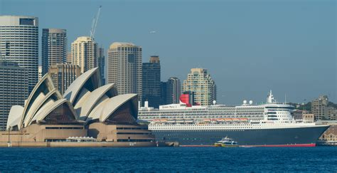 PHOTOS Two Ridiculously Huge Cruise Ships Are In Sydney Together Today | Business Insider