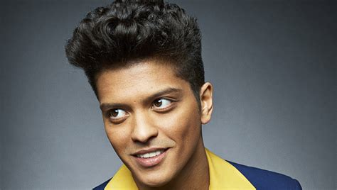 """Bruno Mars' """"just The Way You Are"""" Goes 9x Platinum"""
