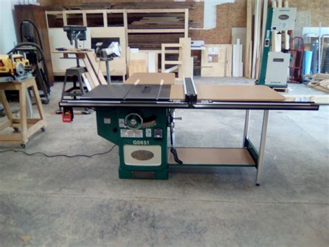 grizzly cabinet saw canada 10 quot heavy duty cabinet table saw with riving knife