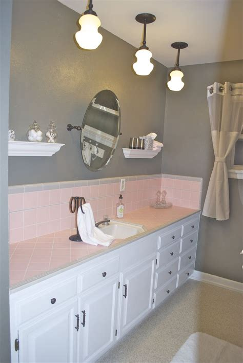 What Color To Paint My Bathroom by Best 25 Pink Tiles Ideas On Moroccan Tiles