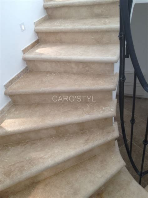 escalier en naturelle escalier sur mesureen naturelle travertin beige carrelage et salle de bain la seyne var
