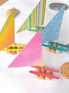 Kinder Basteln Sommer : recycling basteln kinder weinkorken sommer segelboote basteln pinterest basteln schiff ~ Buech-reservation.com Haus und Dekorationen