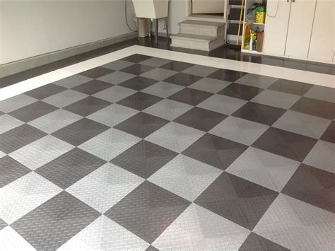 Garage Flooring   Epoxy and RaceDeck Flooring in St. Louis