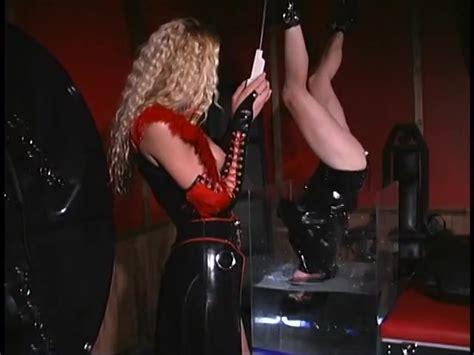Dominatrix Nicole Sheridan Dunks Her Slave In A Water Tank