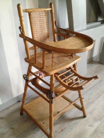 chaise haute bébé en bois chaise haute bebe en bois vintage les vieilles choses
