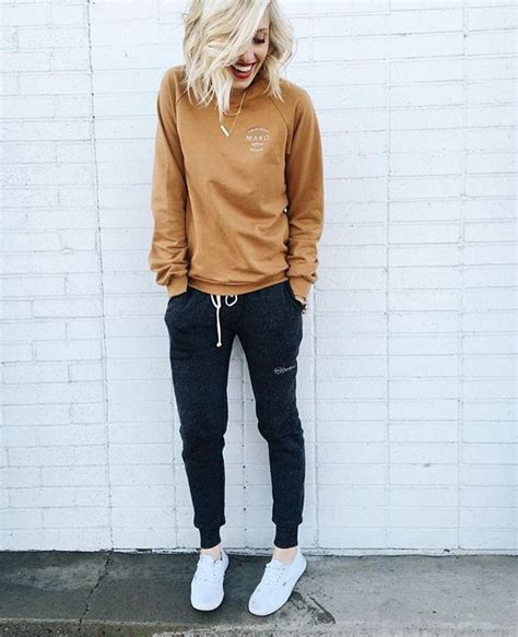 25+ best ideas about Sweatpants outfit on Pinterest | Joggers Joggers outfit and Sweatpants