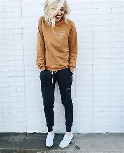 25+ best ideas about Sweatpants outfit on Pinterest   Joggers Joggers outfit and Sweatpants