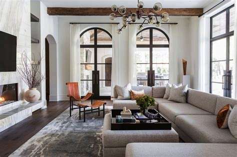 Mediterranean Style Texan Home With Lightflooded Interiors