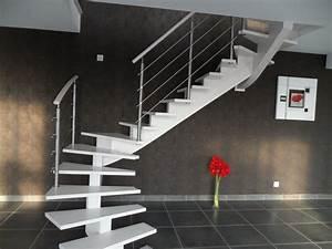 Escalier Bois Blanc : escalier blanc limon central et sa rambarde ~ Melissatoandfro.com Idées de Décoration