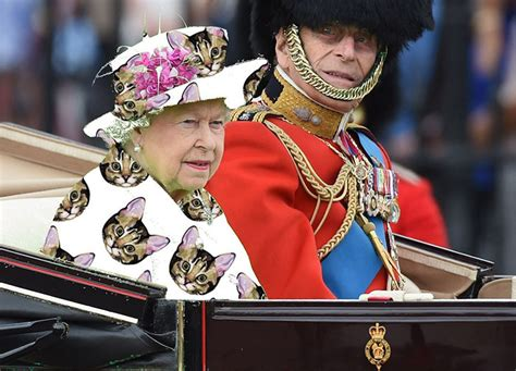 The Queen Wore A u0026#39;Green Screenu0026#39; Outfit And The Internet Reacted Accordingly