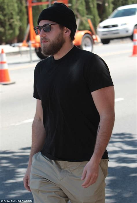 jonah hill fetches lunch  trendy hollywood mark daily