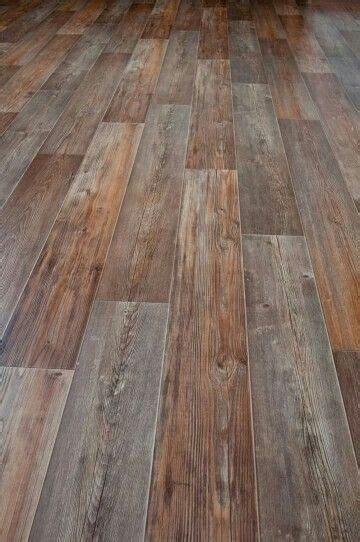 Linoleum Parkett Holzoptik by Best 25 Linoleum Flooring Ideas On Wood Look
