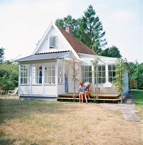 homes with sunrooms little house with sunroom and porch tiny house love pinterest cute little houses house