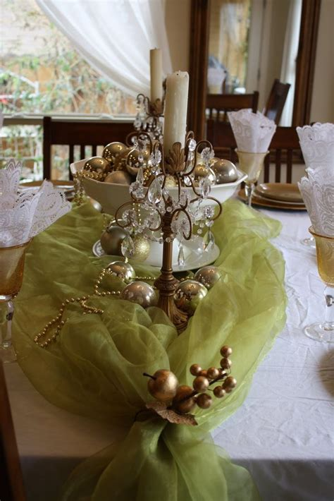 50 Stunning Christmas Tablescapes — Style Estate. Do You Install Hardwood Floors Under Kitchen Cabinets. Kitchen Countertops Phoenix. What Colors To Paint A Kitchen. Kinds Of Countertops In Kitchen. How To Install A Kitchen Floor. Color For Kitchen. Good Colors To Paint Kitchen Cabinets. Kitchen Brick Backsplash Ideas