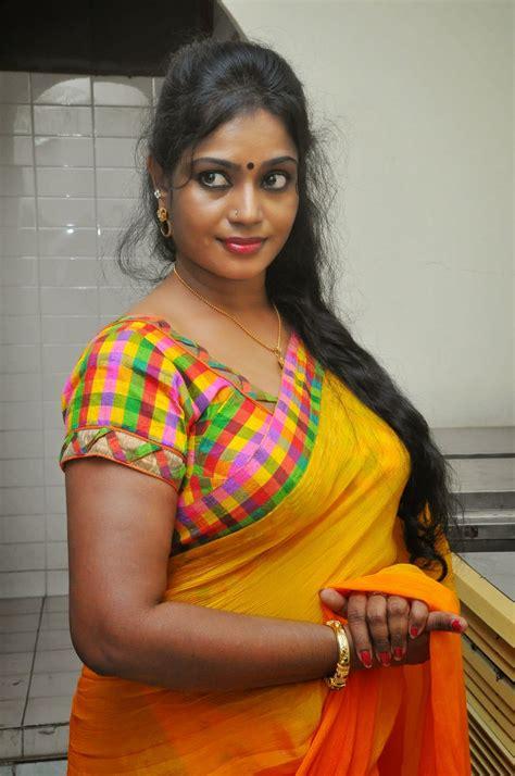 jayavani hot   yellow saree  andhamaina maaya audio film actress