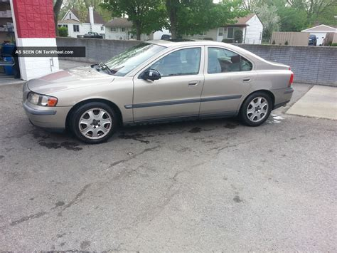 Volvo S60 2 4t by 2001 Volvo S60 2 4t Sedan 4 Door 2 4l