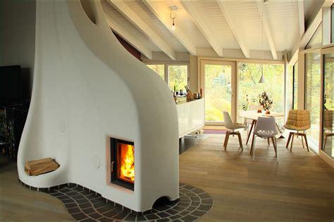 Moderne Häuser Aus Lehm by Ein Speicherofen Lehm Und Feuer Gemauert Wie Ein