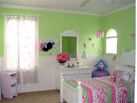 girls bedroom  green pink kids room decorating