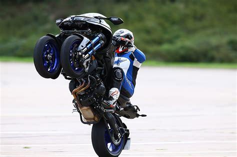 Yamaha Niken Wheelie yamaha niken all questions answered
