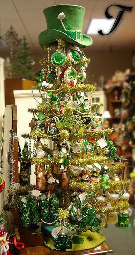 christmas trees beautifully decorated  inspire
