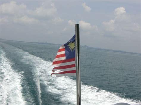 Speed Boat Malaysia by Tioman Island