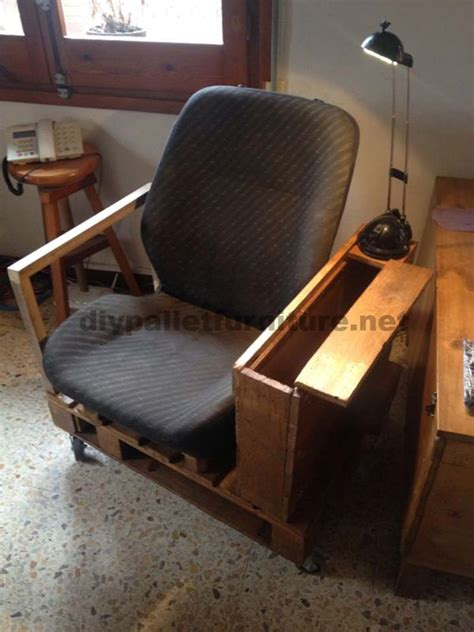 Car Armchair by Armchair For The Living Room Built With A Pallet And A Car