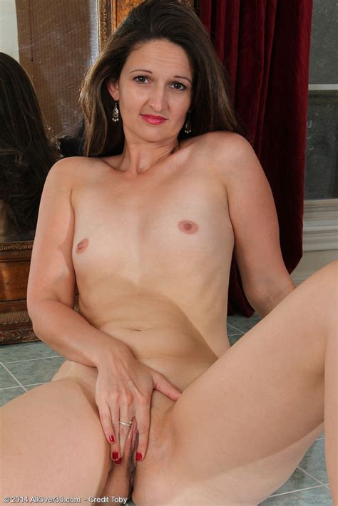 Mature Women Demo Year Old Victoria Johnson Playing