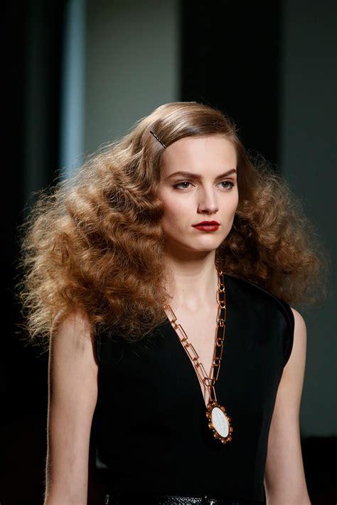 styles for poofy hair hairstyles poofy hair hairstylegalleries 1528
