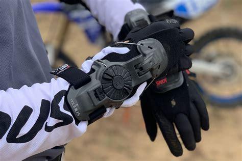 Review: Mobius X8 Wrist Brace | Slackr Bike