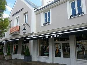 Marne La Vallée Magasin : boutique burberry photo de la vall e village serris ~ Dailycaller-alerts.com Idées de Décoration