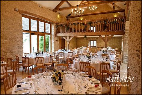 Barn Wedding Venues : Kingscote Barn Winter Wedding Photos