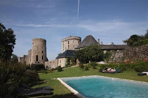 chambre d hotes puy du fou entree du château photo de chateau de la flocelliere la