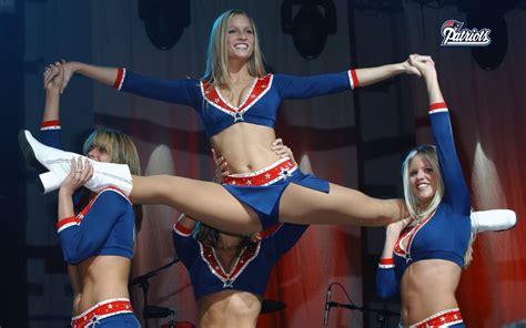 nfl  england patriots cheerleaders dancing