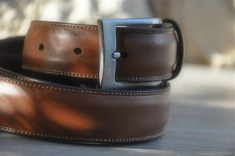 ceinture de chastete moderne look homme on opte pour la ceinture de luxe chic en cuir