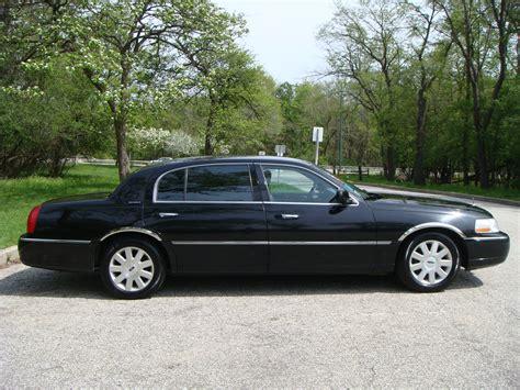 2003 Lincoln Town Car L Series Sedan
