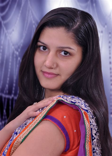 Sapna Chaudhary The Famous Singer And Dancer Is Popular In