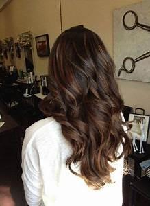 Balayage Cheveux Bouclés : quelle coloration chocolat choisir pour mes cheveux ~ Dallasstarsshop.com Idées de Décoration