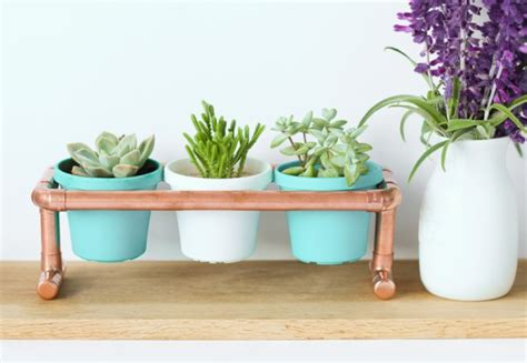 25+ Diy Plant Stands With Thrift Store Finds