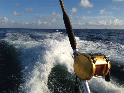 Best Party Boat Fishing Destin by 7 Delightful Destin Things To Do In Winter Tripshock