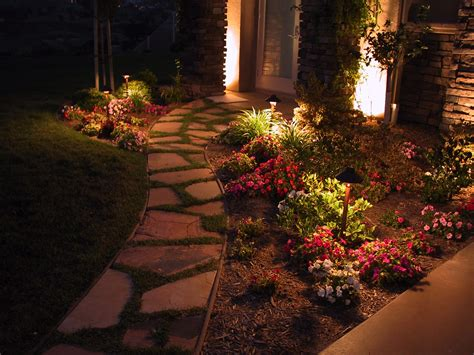 Outdoor Lighting : 5 Pathway Lighting Tips + Ideas (walkway Lights Guide