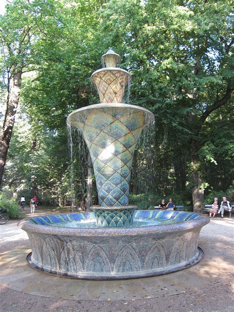 mosaikbrunnen dresden wikipedia